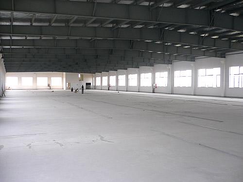 奉贤区金汇工业路与浦星公路交叉路口多幢单层和多层厂房出租