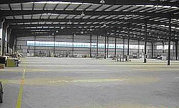 奉贤青村镇青港园区8000平米单层厂房低价出租/有大量空地/欢迎中介