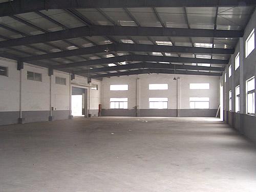 单层厂房内景--嘉定工业区沥红路近城北路1.7万平方米可分割单层厂房出租